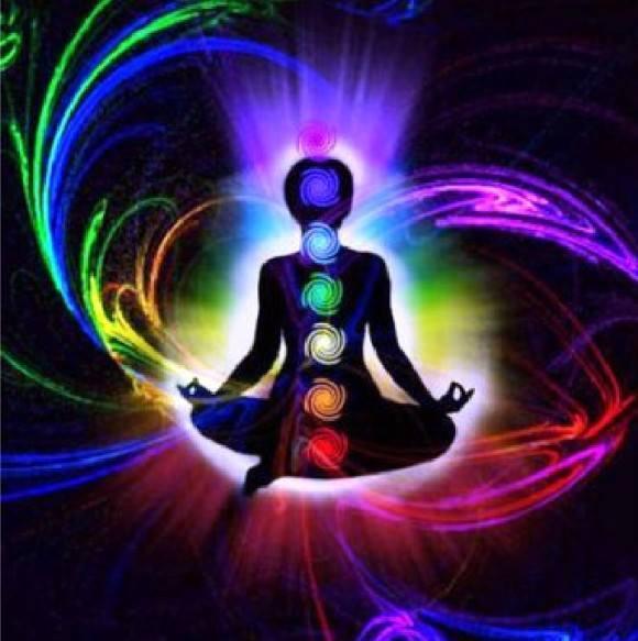№-60---ИндуизмГлавными богами (дэвами), в честь которых слагались молитвенные гимны Вед, были Индра, Сурья u Агни и другие боги света (зари, блеска неба, светлых облаков и т. п.). Индра был бог неба, грозы, молнии и грома, Сурья – бог солнца, Агни –